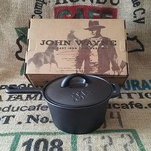 John Wayne Cast Iron Cookware 2qt Sauce Pot with Lid